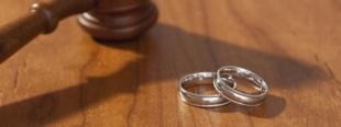 22.10.2016 - Italie : une femme divorcée condamnée à 30 000 euros d'amende pour avoir dit à son fils...