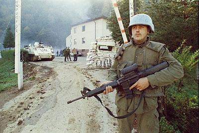 Le rôle du gouvernement canadien dans l'intervention en Yougoslavie