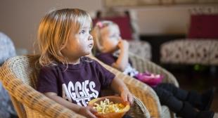 23.09.2016 - La télévision diminue la créativité des enfants